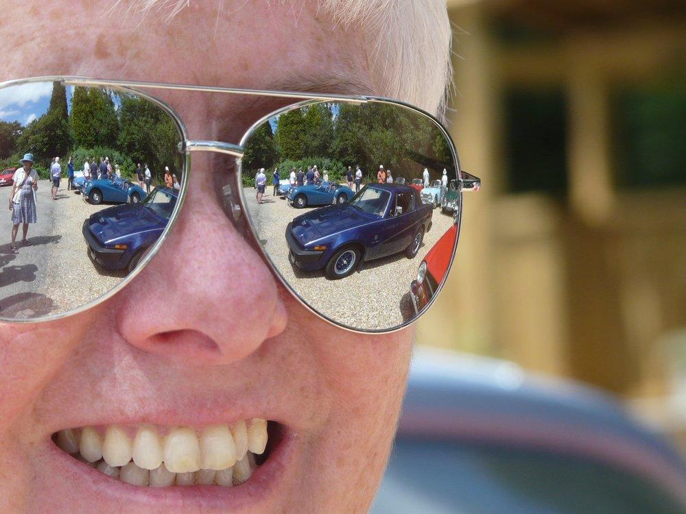 Sunglasses.thumb.jpg.65d179ecfe42e79cf178fa62524776d0.jpg