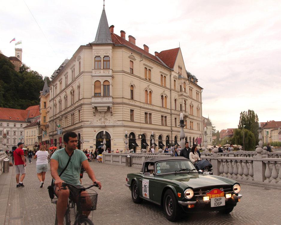 Ljubljana Triple Bridge Slovenia.jpg