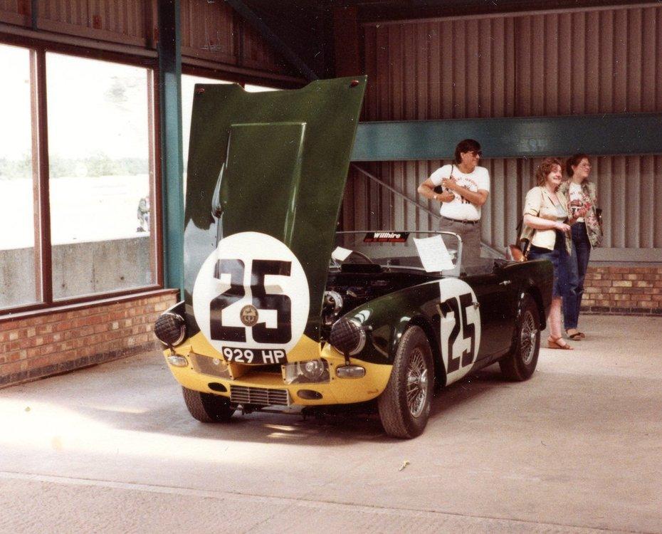 929 HP at 1981 Donnington IWE.jpg