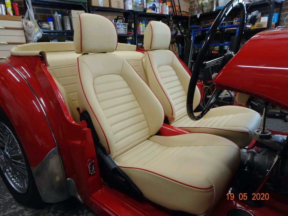 MX5 seats1.jpg