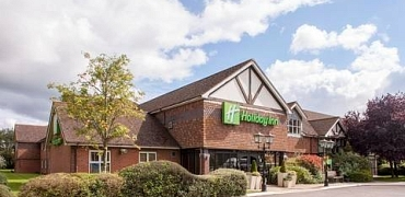 Kennet Valley TR Group go to the Holiday Inn, Padworth to sample it as possible new venue?
