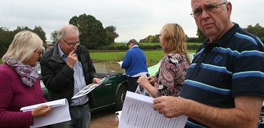 A drive with clues, to Sian & Martin's home for a shared picnic