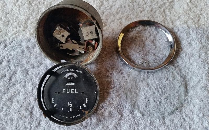 Jaeger Fuel Gauge for Parts or Repair...