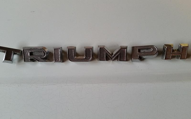 T R I U M P H lettering set for early TR3A.