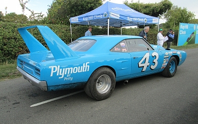 Wild Plymouth Road Runner Superbird