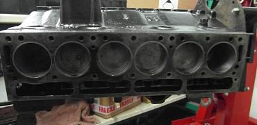 TR6 CP 1970 (22) Engine rebuild continued