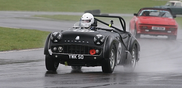 Bedford Autodrome Track Day 11 March - Book Now