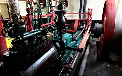 1899 Buxton & Thornley Steam Engine can still do the job it's always done