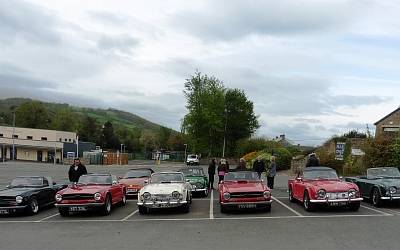 7 cars gathered in Hay ready for the Off. Andrew Langton's TR4A on the right did not join the convoy.