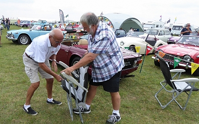 Dave and Eddy Versus the folding chair!