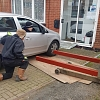 Car Lift - Lifting up