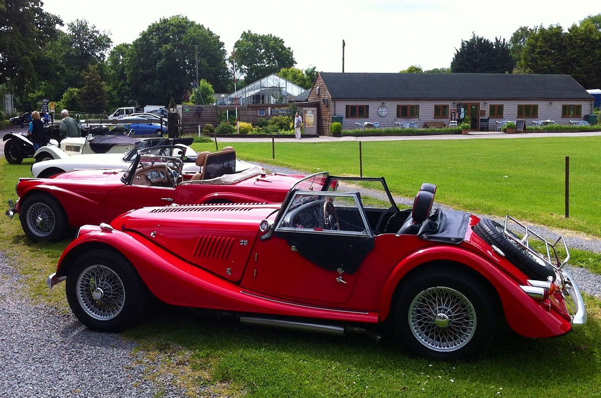 The Departure Lounge - Classic Car Sundays