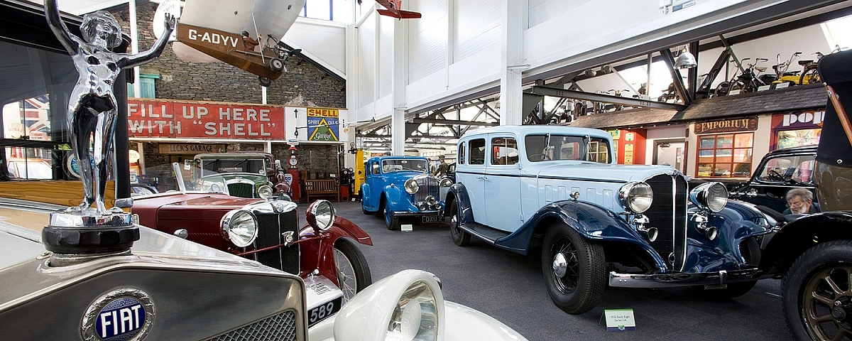 Red Rose Group - Lakeland Motor Museum - Classic Drive & Ride In Day