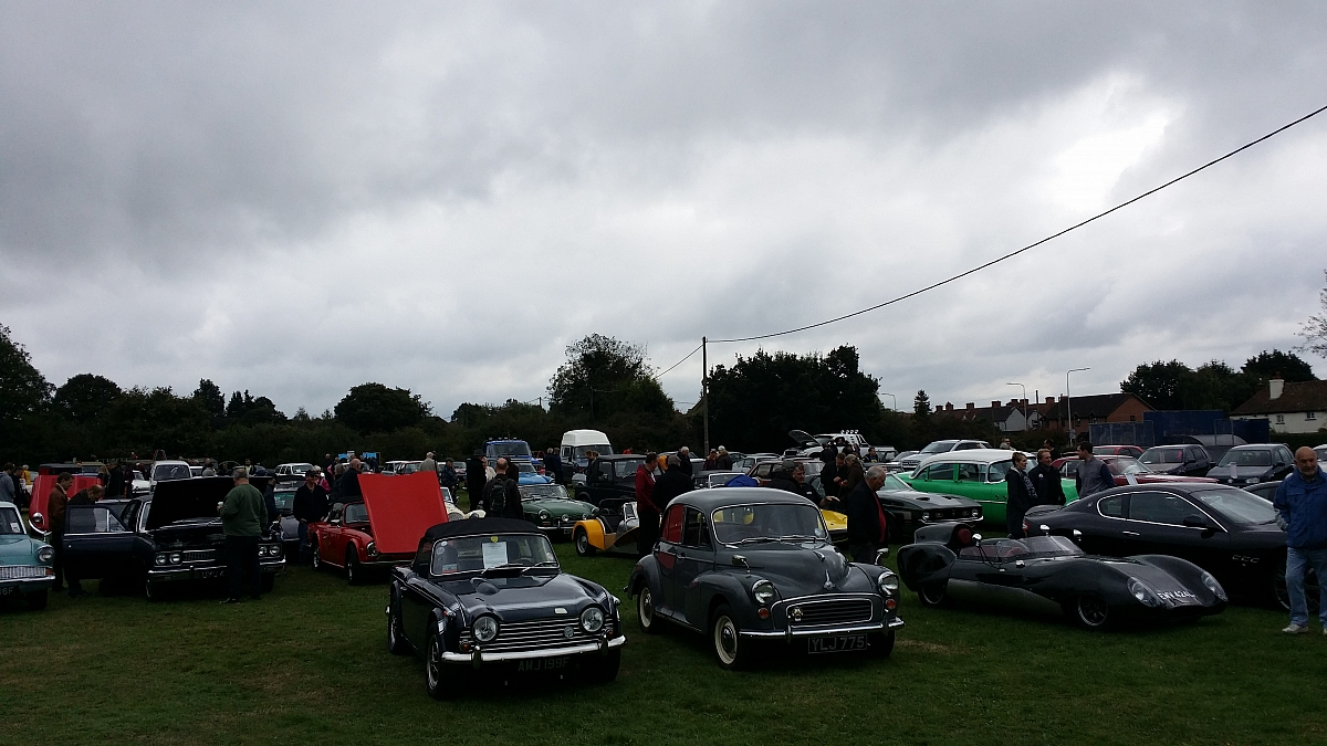 Kennet Valley TR Group attend Thatcham Classic Show in aid of MacMillan