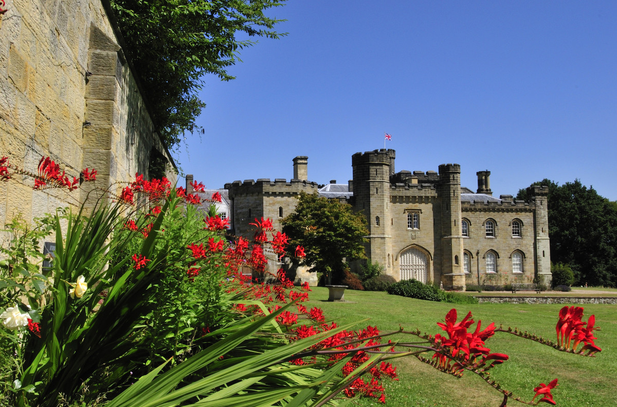 Kent Group | Chiddingstone Castle - Summer Vintage Fair