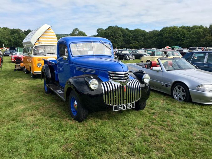 Thames Valley Annual Visit to the Cranleigh Classic Car Show