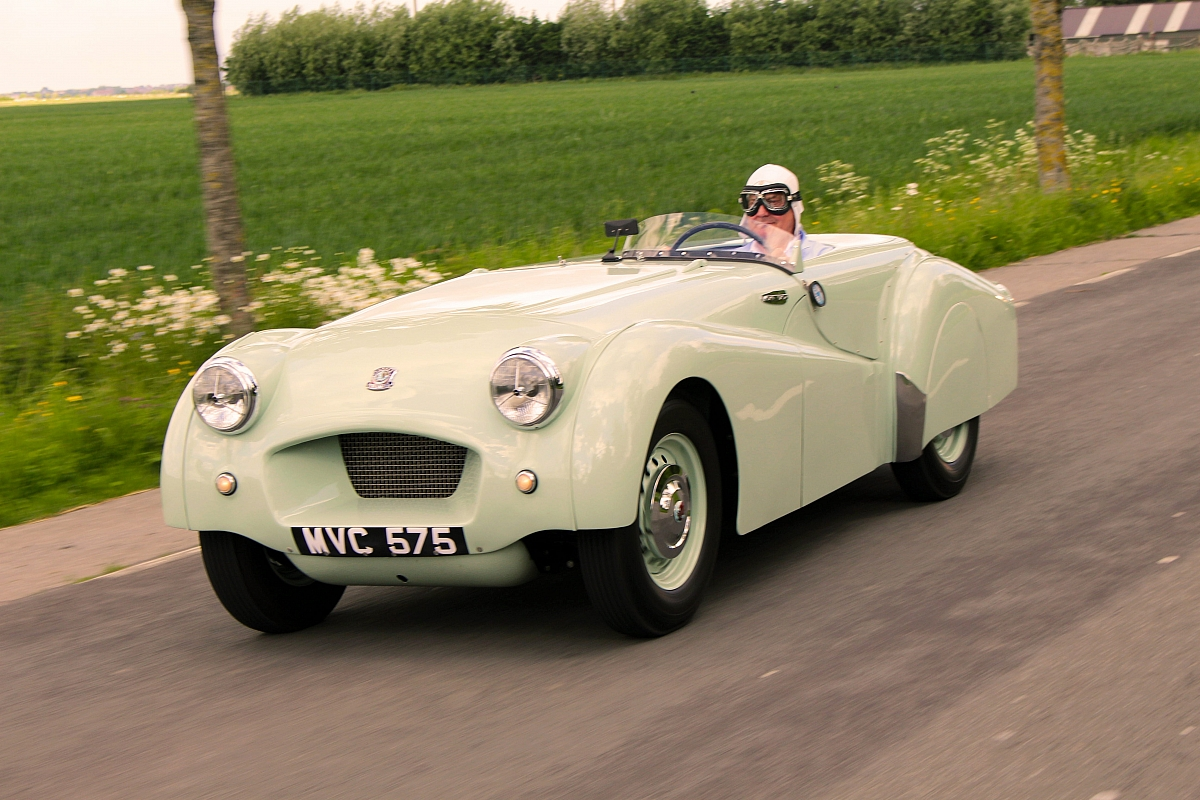 Land speed record breaking Triumph TR2 returns to Jabbeke