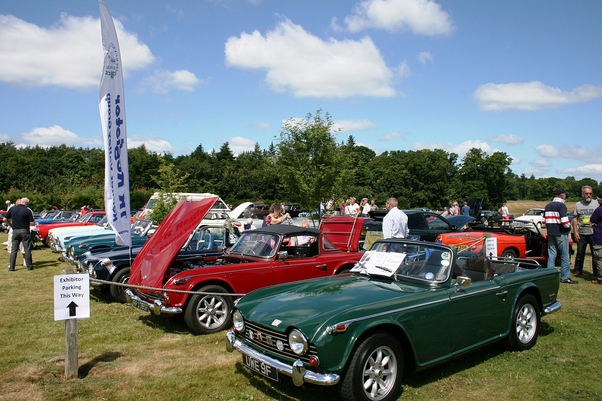 Notcutts Inaugural Classic Car show attracts 200 classics on a very sunny day in Oxfordshire
