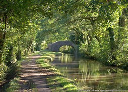 A leisurely trip on the Mon & Brec canal
