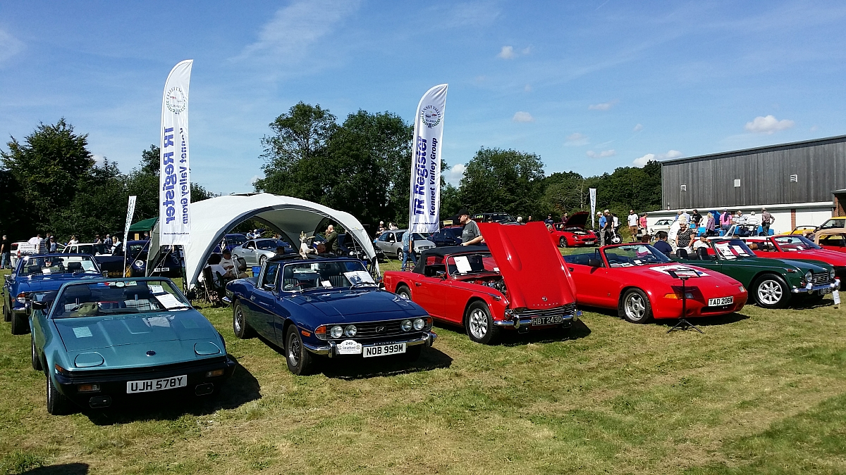 Kennet Valley TR Group supports Newbury Classic show in aid of Bloodwise on a rare sunny day in August