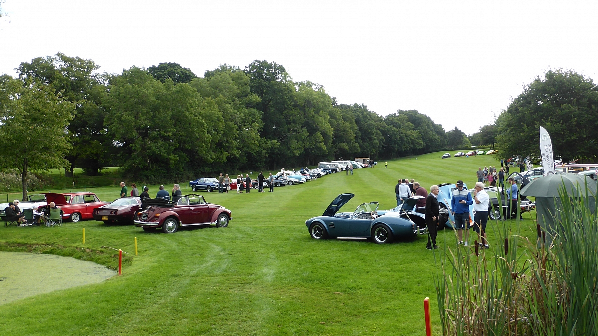 Kennet Valley TR Group enjoy 'Sunday Drive Day' at Sandford Springs Golf Club inaugural Classic Car day