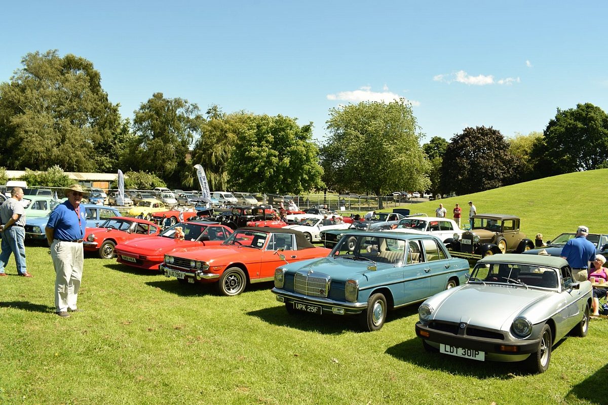 Kennet Valley TR Group to attend Classic in the Park at Woodley Carnival