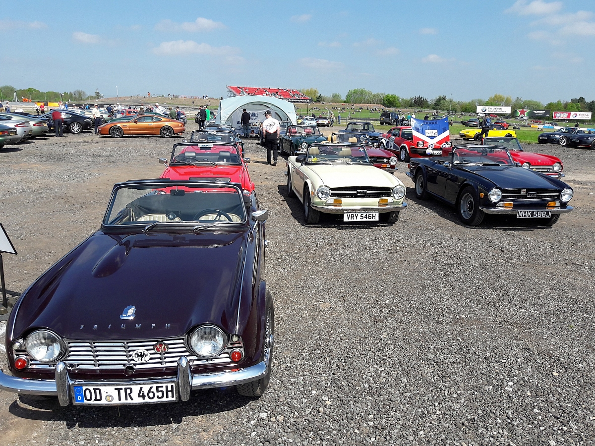 Leicestershire TR Group hosts Register members at Donington Historic Festival
