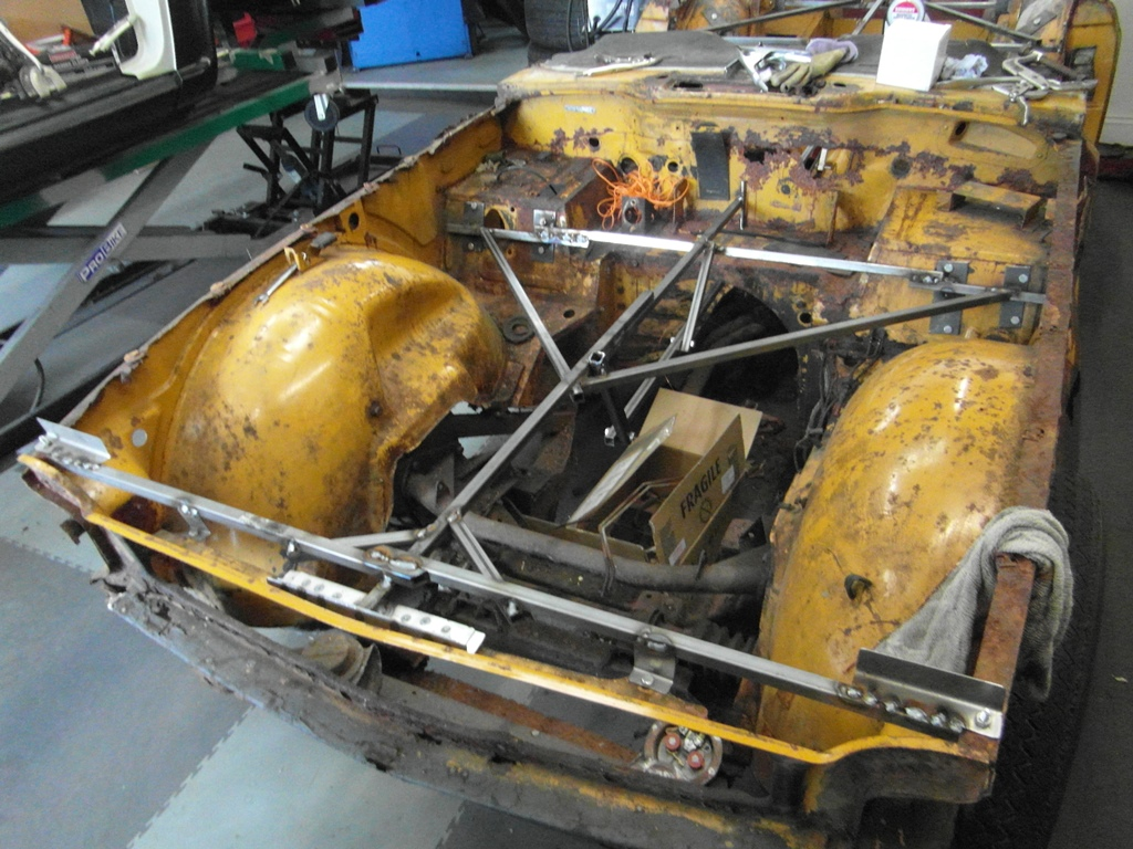 TR6 CP 1970 (15) The internal body frame jig continued