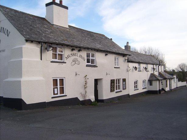 Devon Group - Sunday Lunch - Mussel Inn