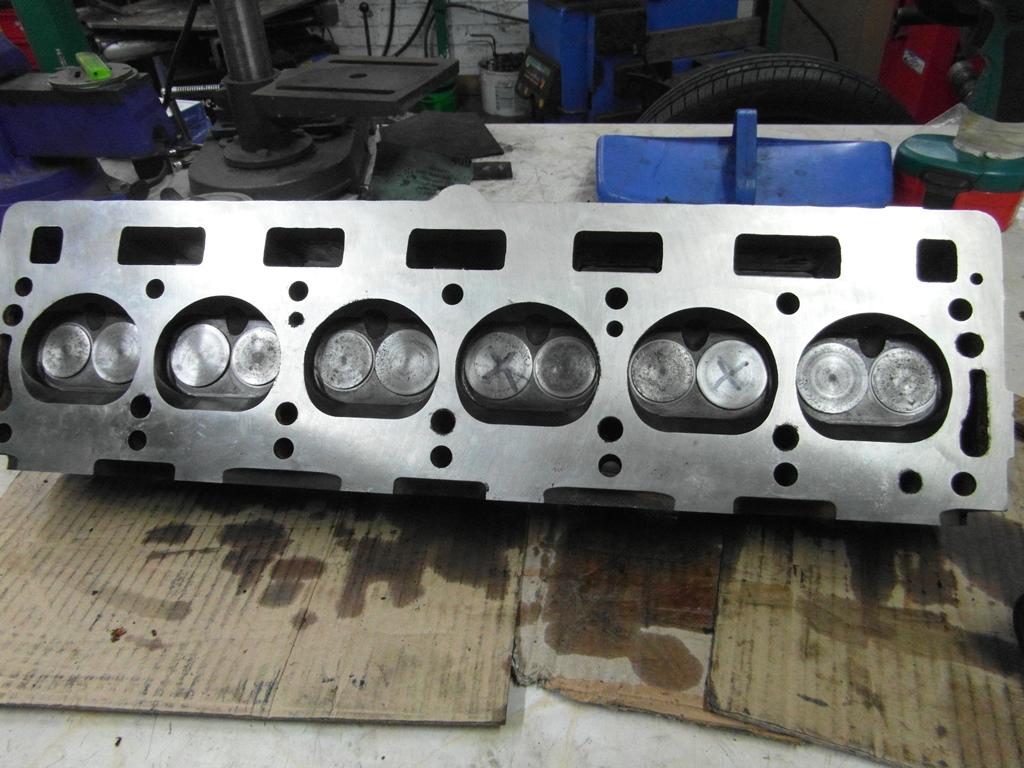 TR6 CP 1970 (23) Engine rebuild, Cylinder head