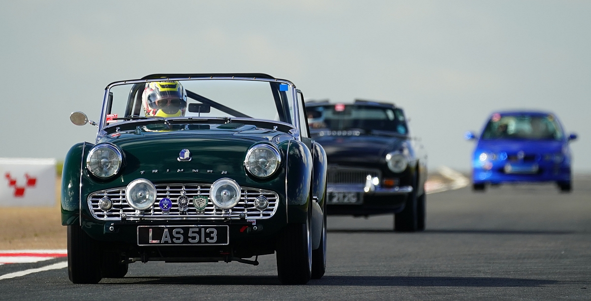 Book now for our Snetterton track day!