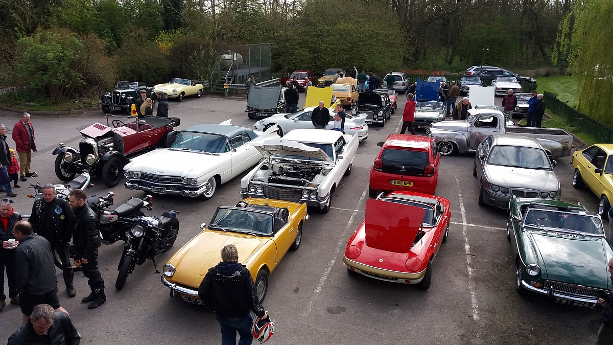 Kennet Valley TR Group Members enjoy Classic Saturdays!