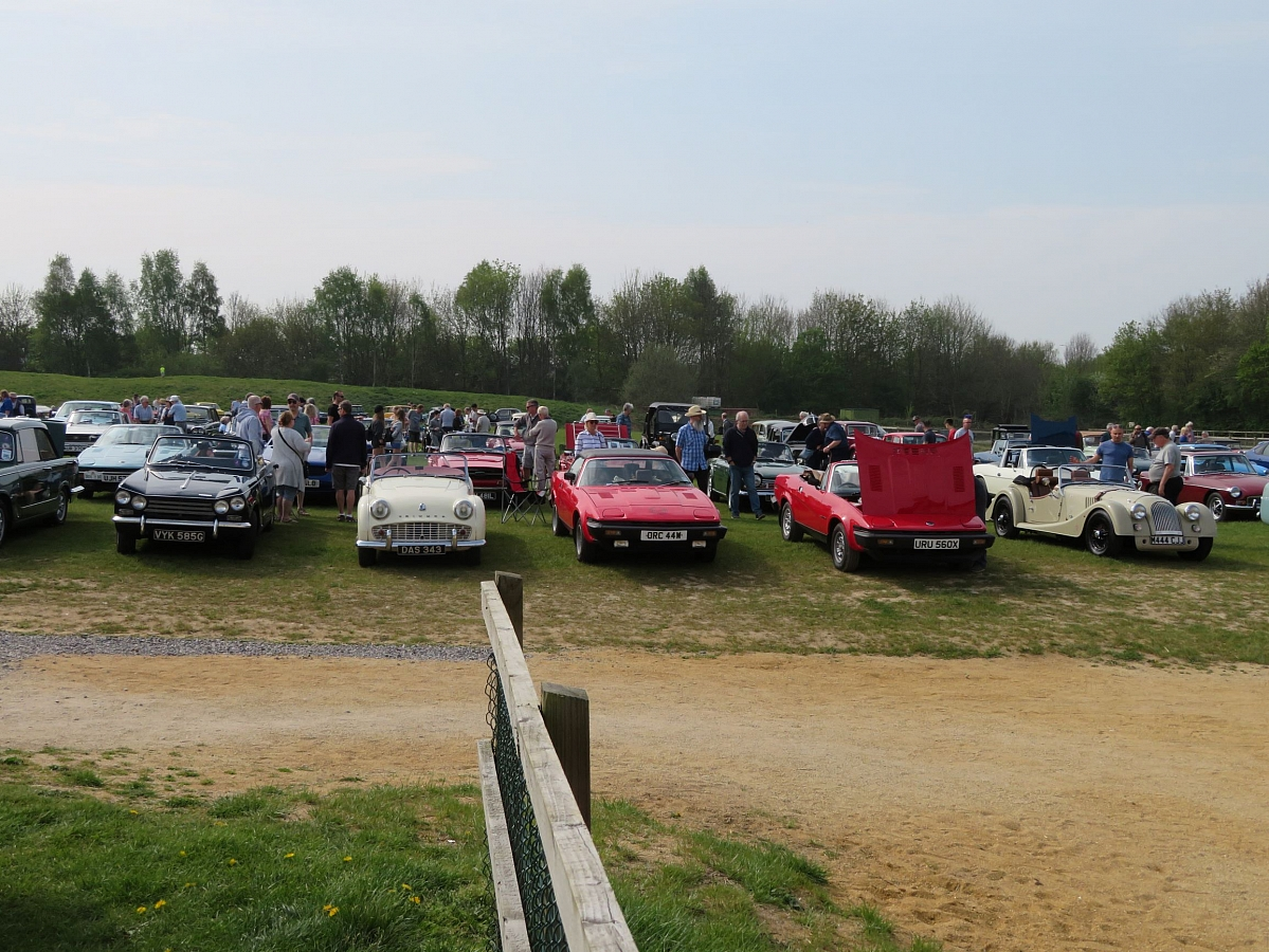 Kennet Valley TR Group enjoy Easter Sunshine at Spring Vehicle Meet