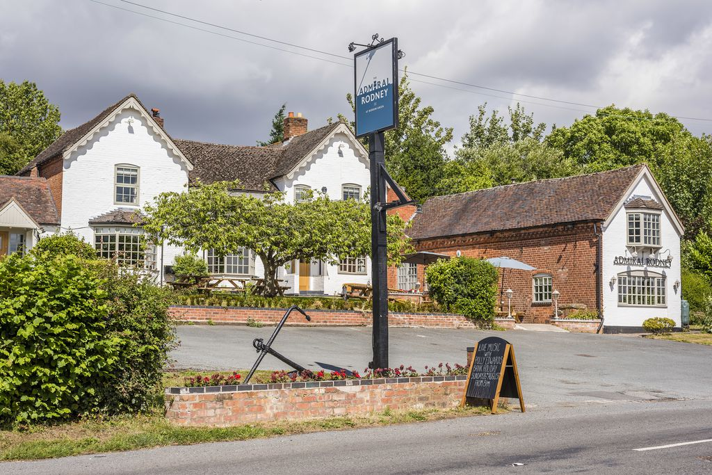 Cotswold Vale - Sunday Lunch (May)