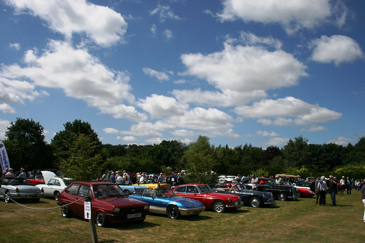 Kennet Valley TR Group members invited to Notcutts Classic Show