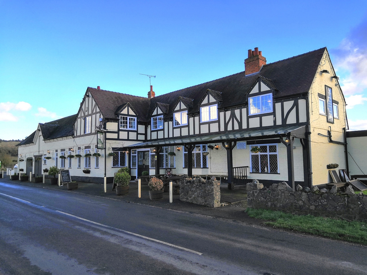 Cotswold Vale - Sunday Lunch (October)
