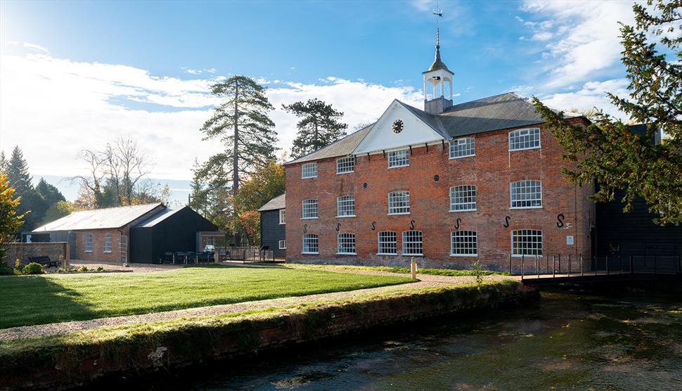Kennet Valley TR Group 'Eat & Drive' October - Whitchurch Silk Mill & Lunch